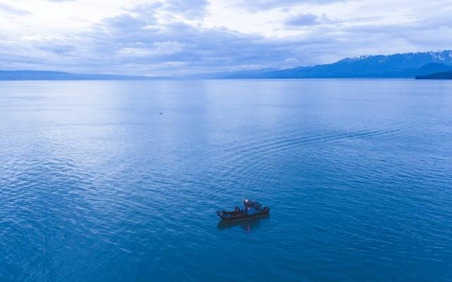 N19-04-14-NOAA&GPSRollover_fishing-boat