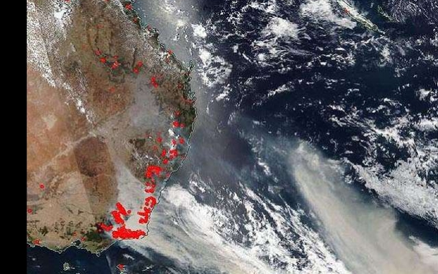 N20-01-12-Australia-east-coast-fire-smoke-tracks